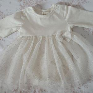 H&M NB-1 month dress